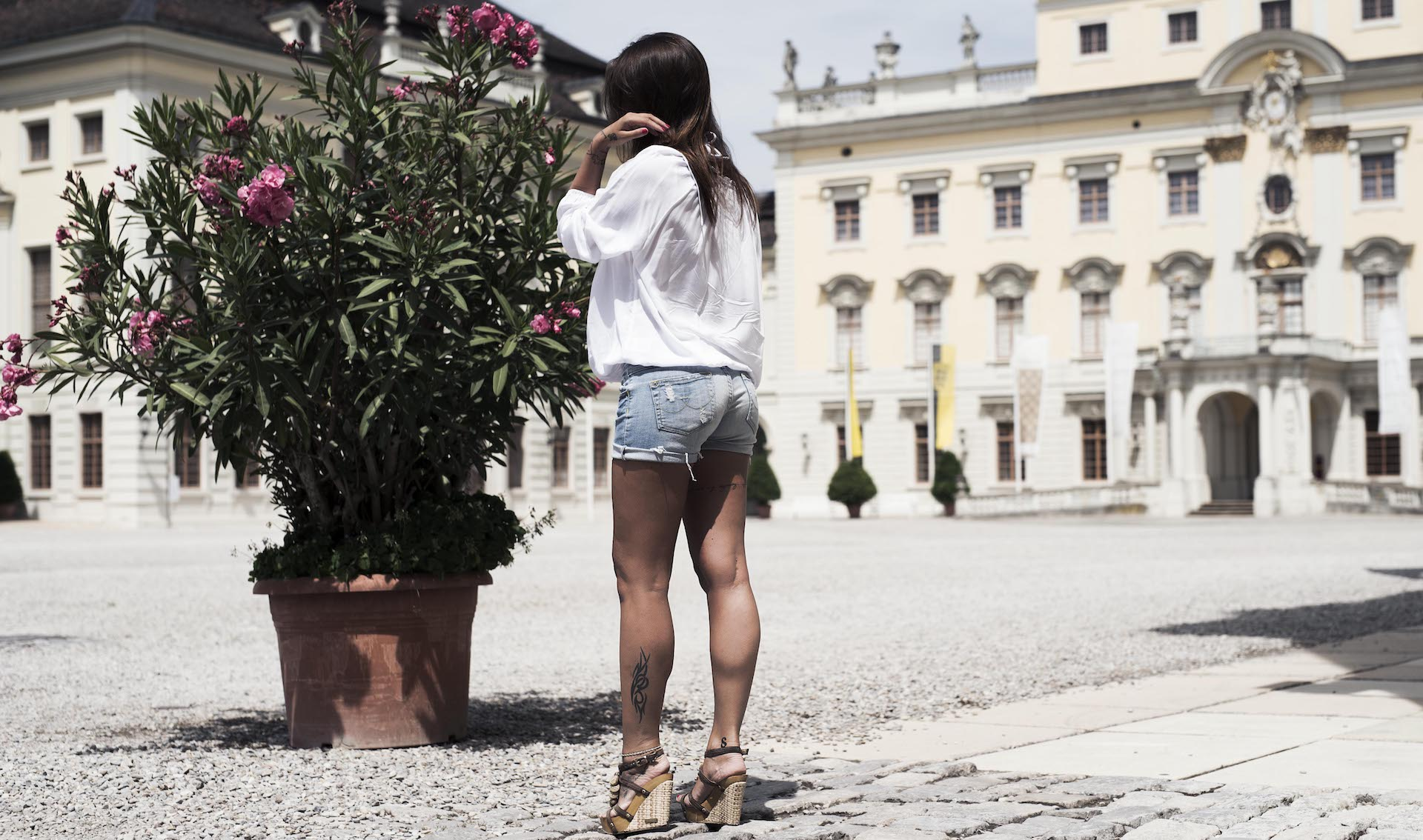 Schloss Ludwigsburg-Sommeroutfit