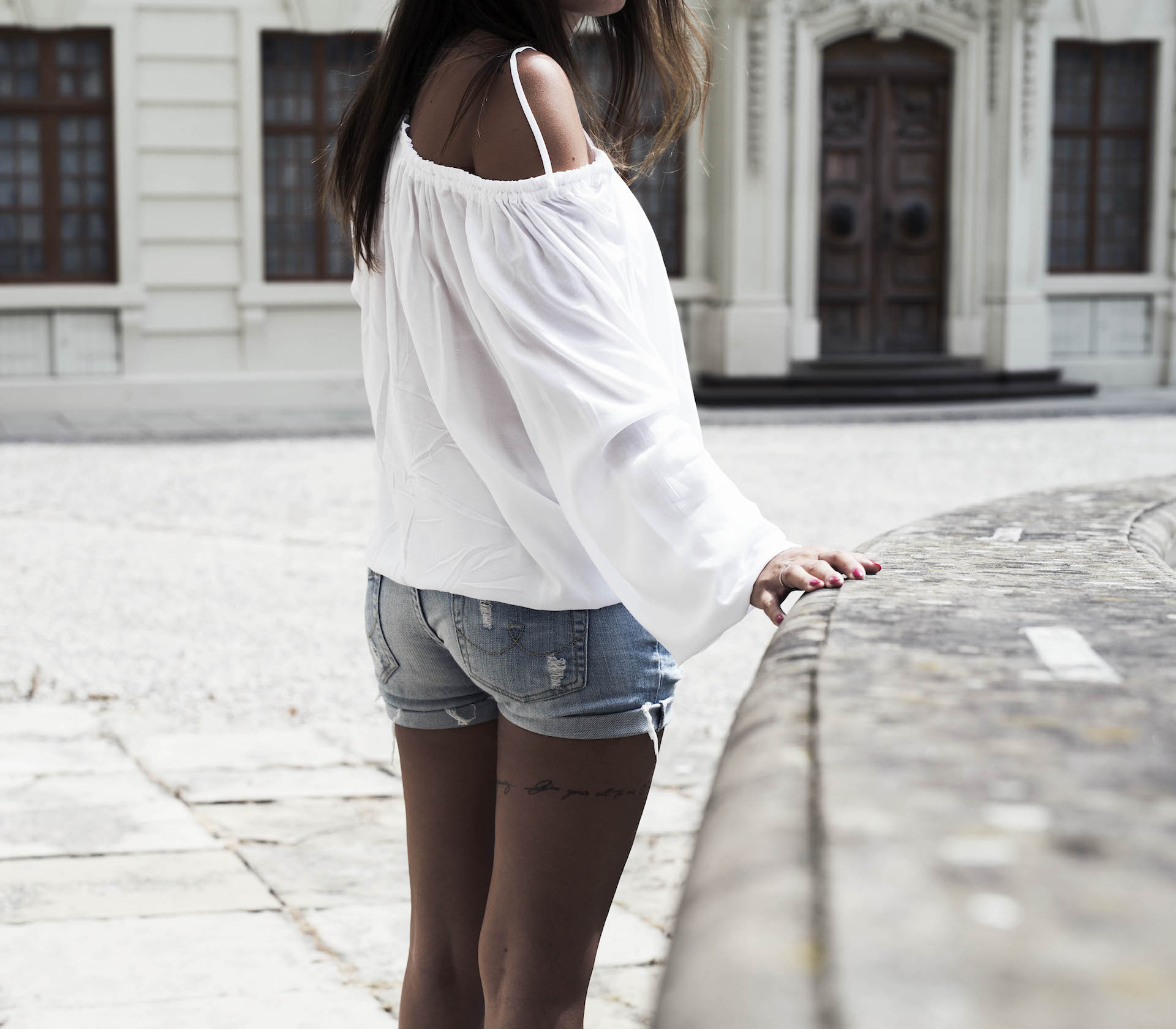 Sommeroutfit-Ludwigsburg-Shorts-Bluse