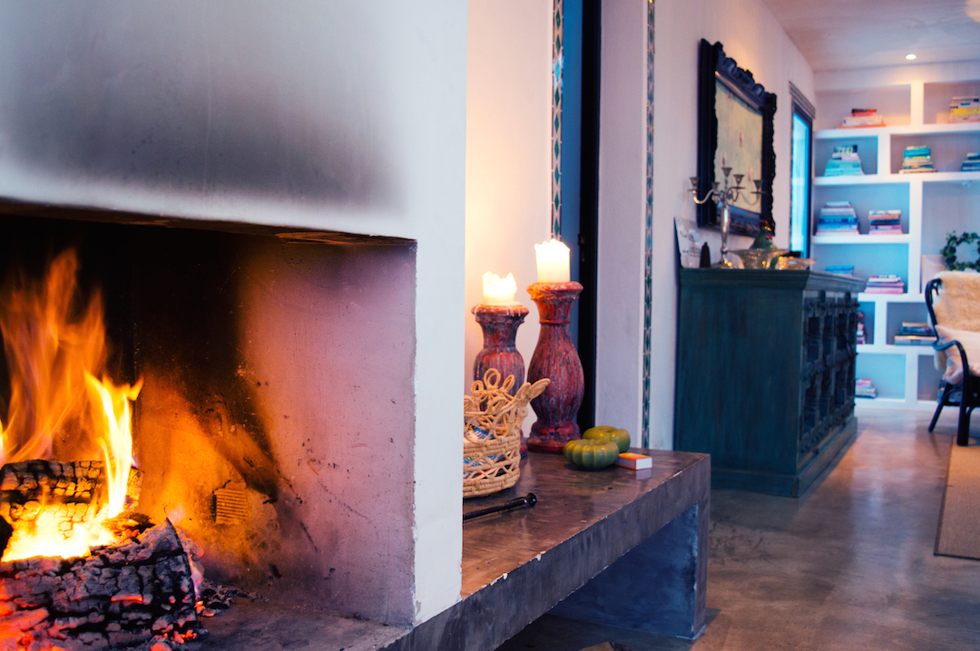 Spain-andalusia-holiday-CasaMiranda-livingroom-fire-cozy