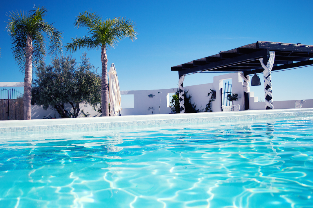 Spain-holiday-CasaMiranda-pool-cilloutarea