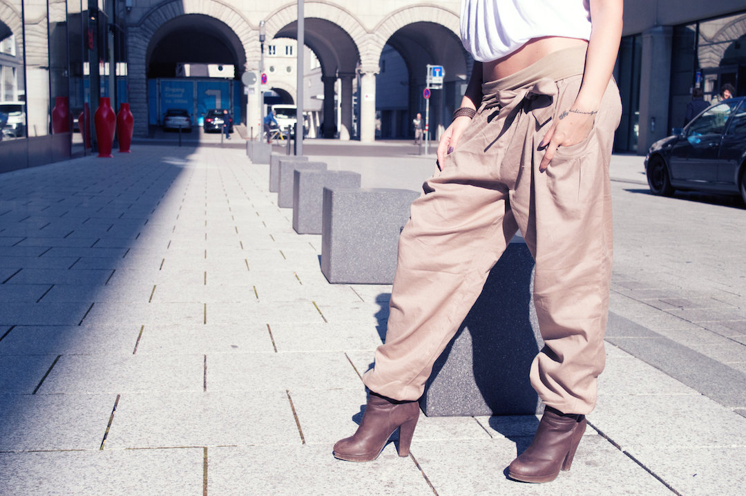 lascana-trousers-boots-brown