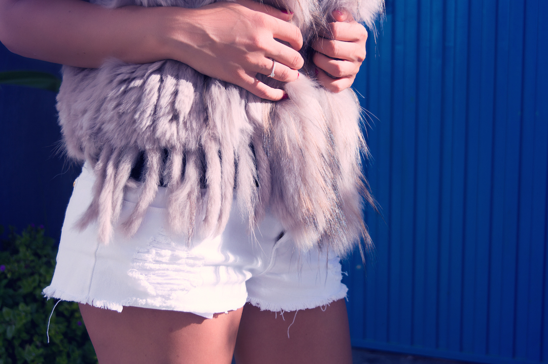 spain-fur-west-white-shorts