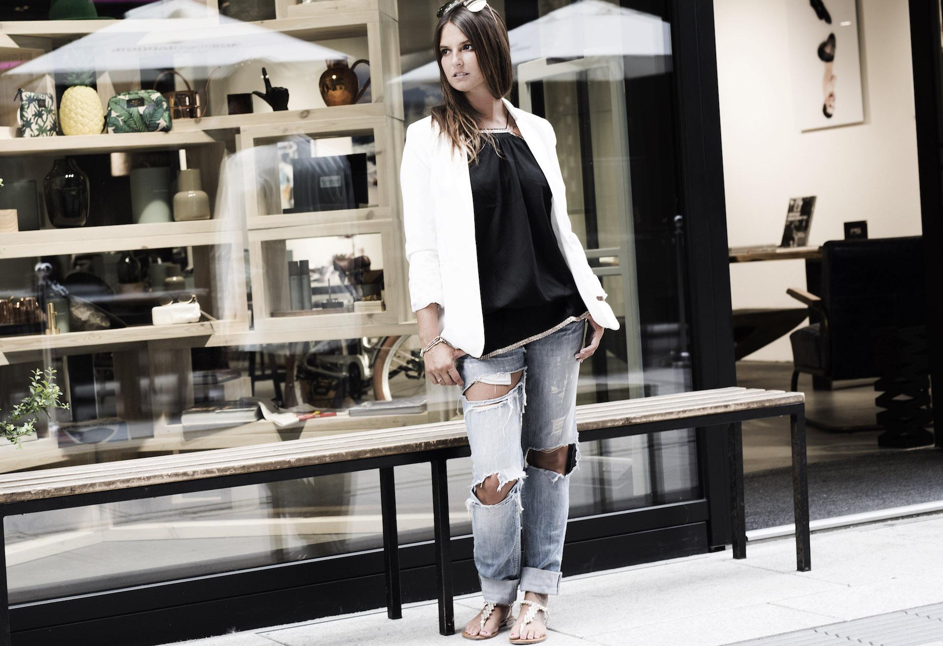 Frankfurt-Rayban-Jeans-Weißer-Blazer